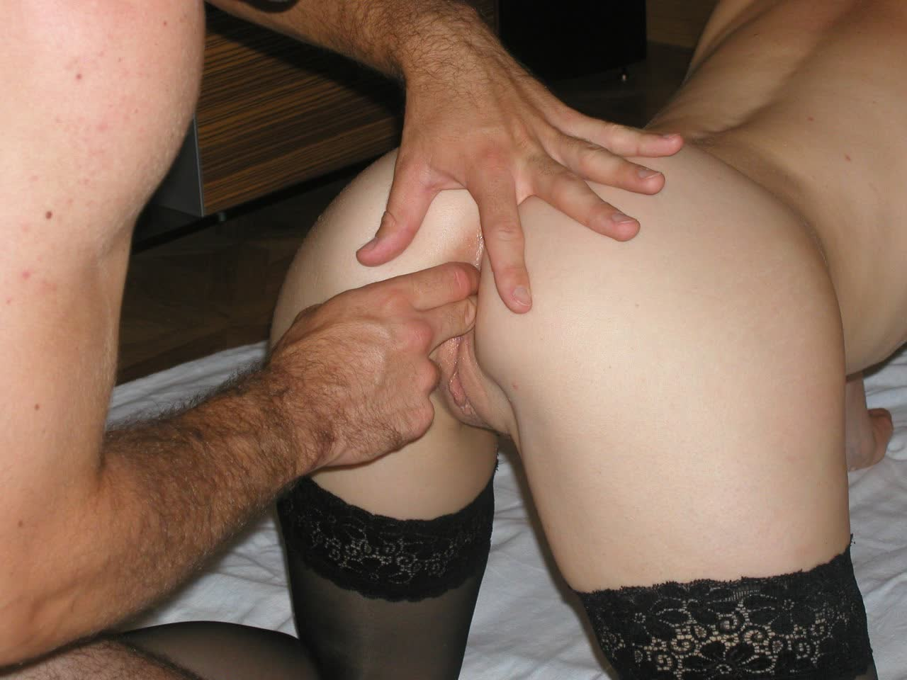 Long dildo finds home in Roxana Trip s asshole